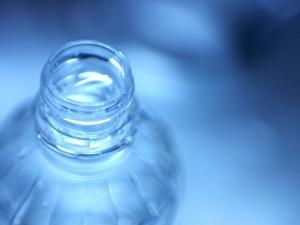 赤ちゃんのミルクの水